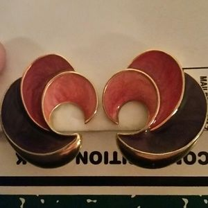Jewelry - Vintage Purple and Pink on Gold Clip On Earrings.